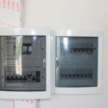 تابلو برق 16 تایی روکار جهت برق اضطراری